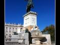 Statue #04